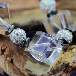 Kryształ górski z kryształkami Swarovskiego i srebrem