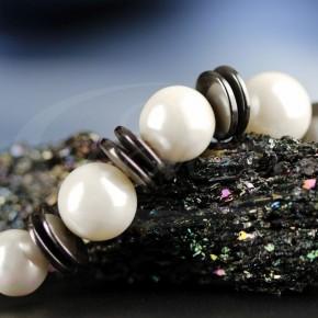 Kulki pereł z hematytem - naszyjnik