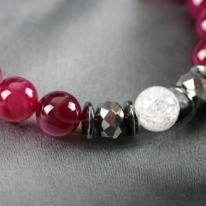 Olśniewający naszyjnik - piwoniowe agaty, kryształy.