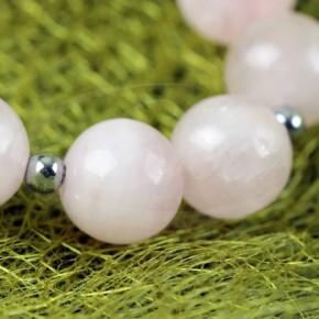 Pastelowy naszyjnik z kwarcu różowego i hematytu.